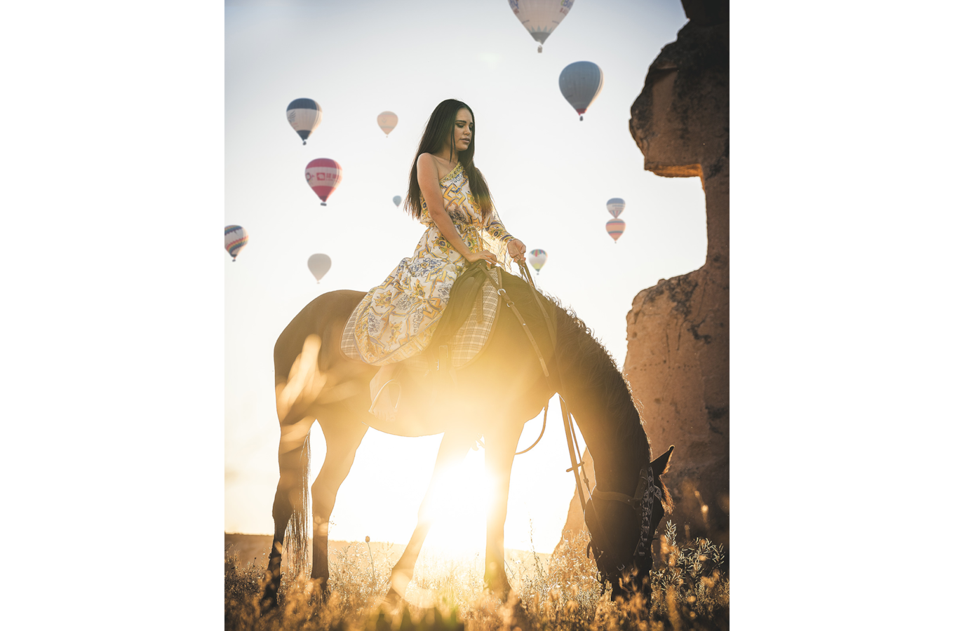 ilkin-karacan-sony-alpha-7RII-lady-astride-a-horse-with-balloons-rising-in-the-background