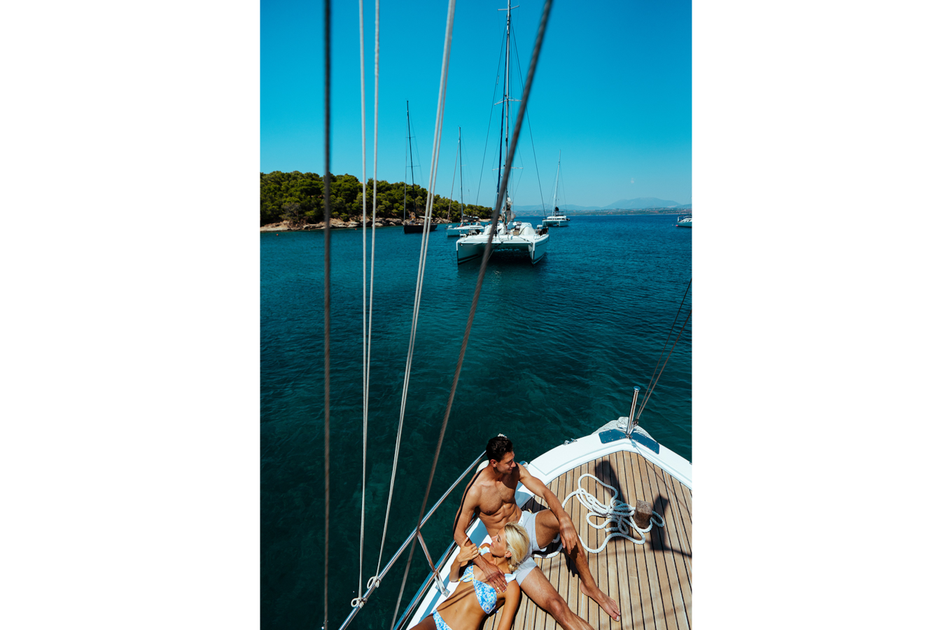 George-Kasionis-&-Stam-Tsopanakis-sony-alpha-7III-couple-relaxing-on-boat